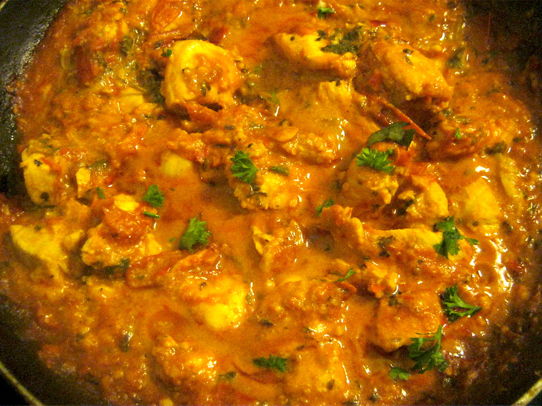 Chicken tikka masala in a frying pan