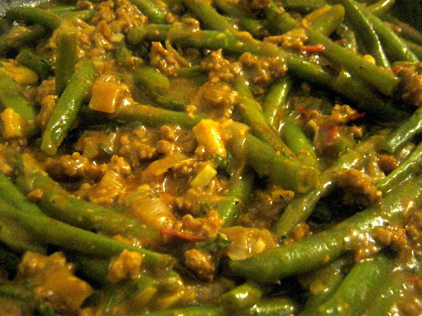 Green Bean Stew with mince in a pan