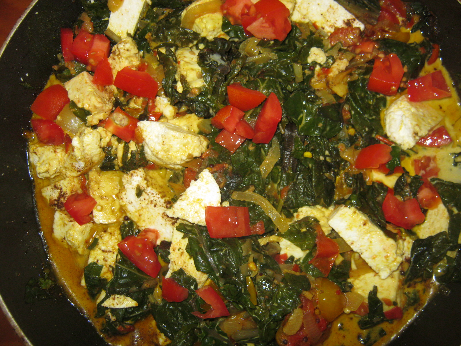 Finished palak paneer in a pan