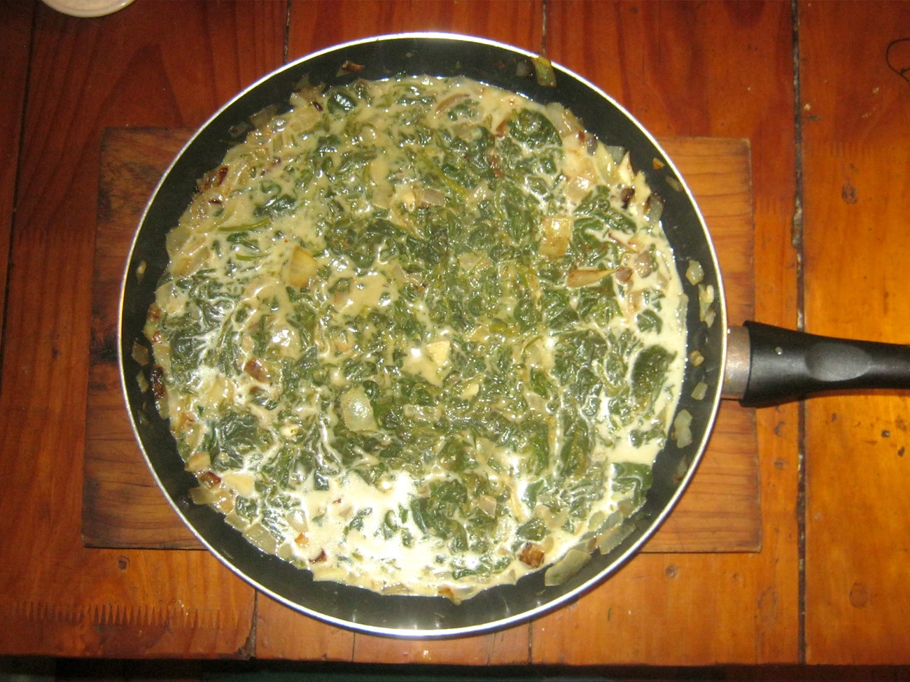 Cream spinach in a pan