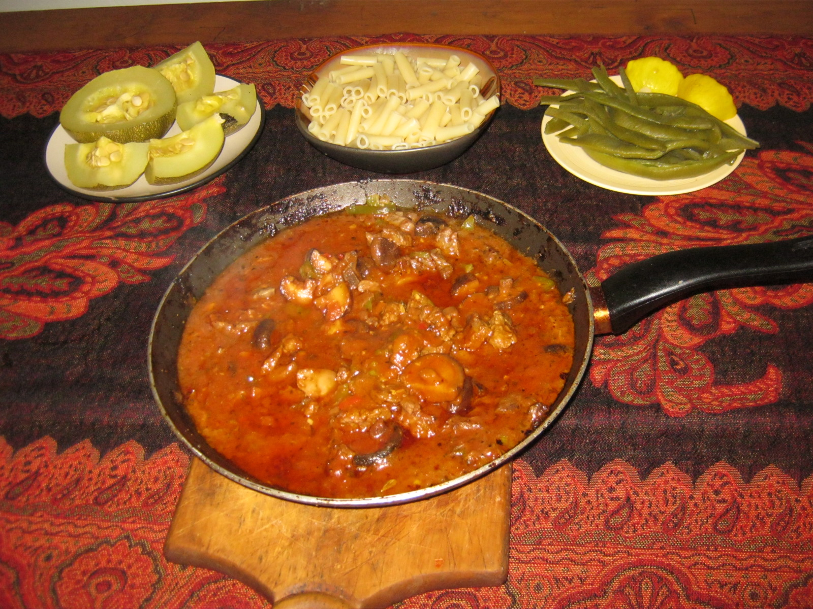 Traditional Hungarian Goulash / Pörkölt with pasta, green beans and steamed gem squash