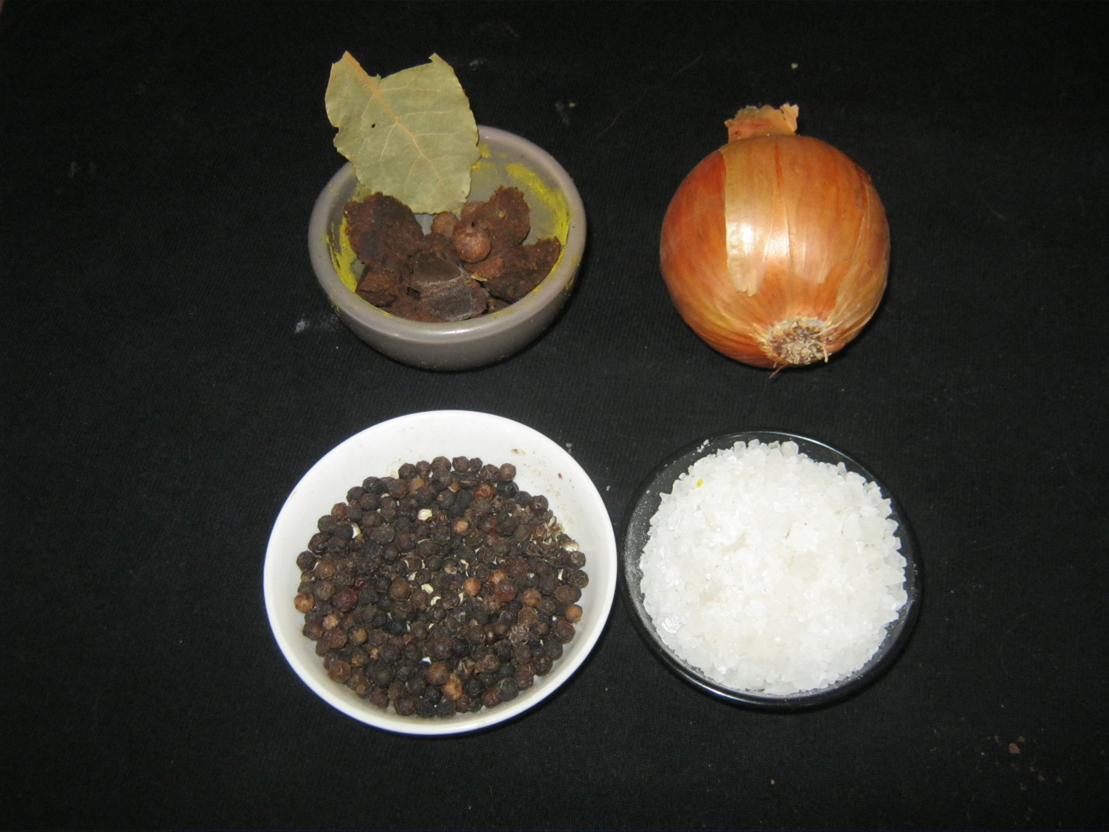 Koenigsberger-klopse-ingredients for stock