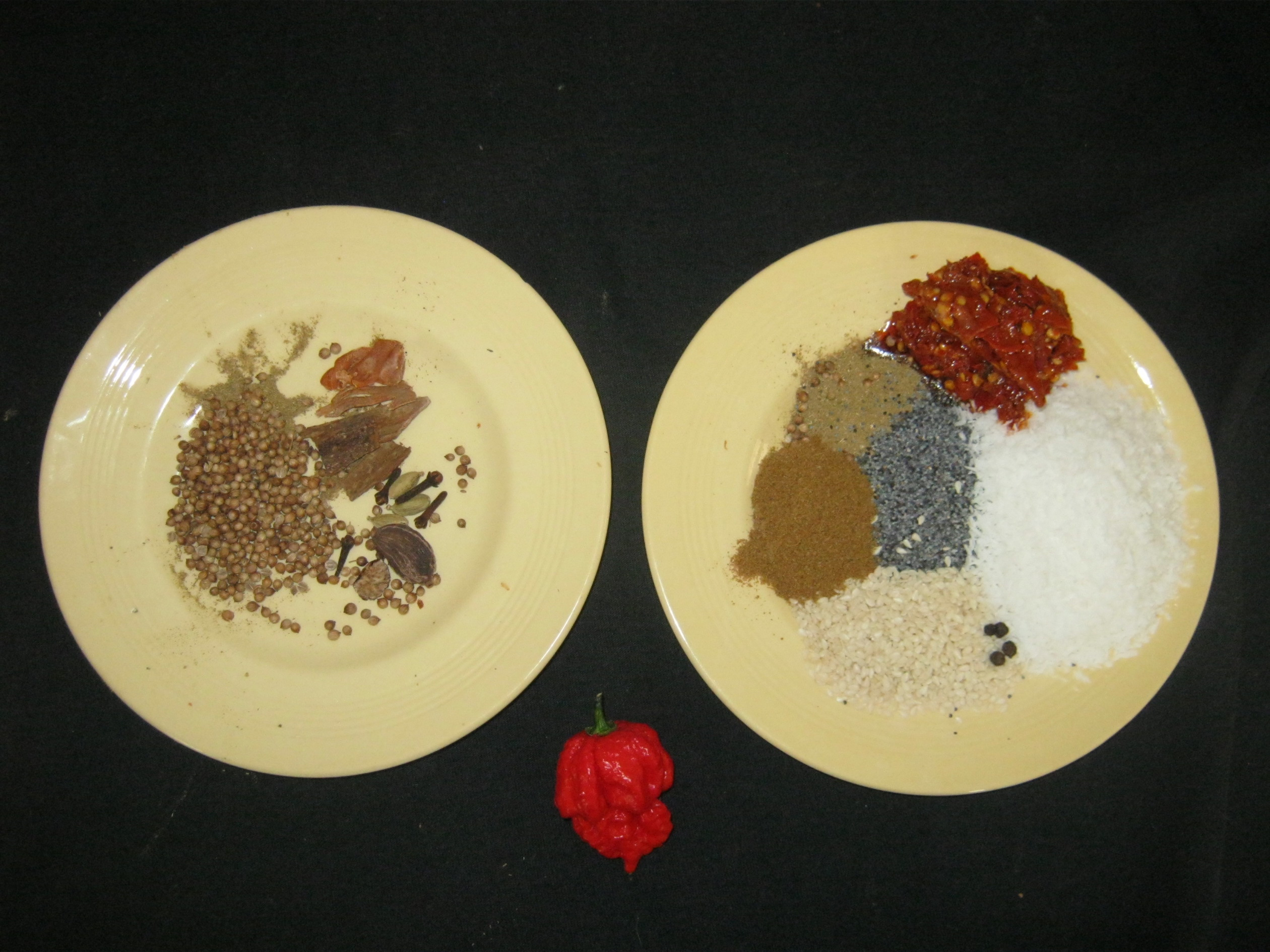 Spices for Kolhapuri Chicken that should be roasted
