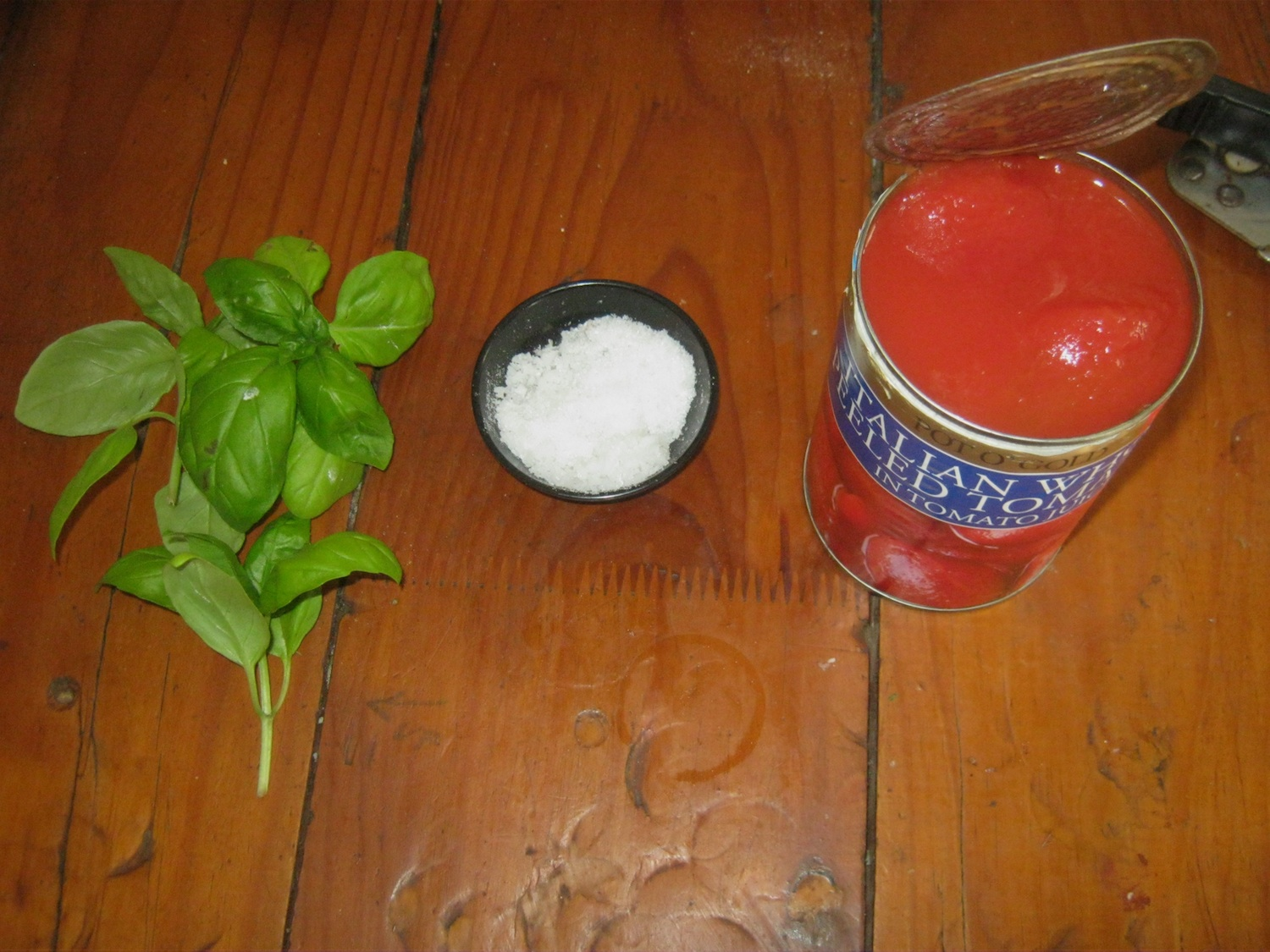 Ingredients for a classic Pizza Margeherita sauce