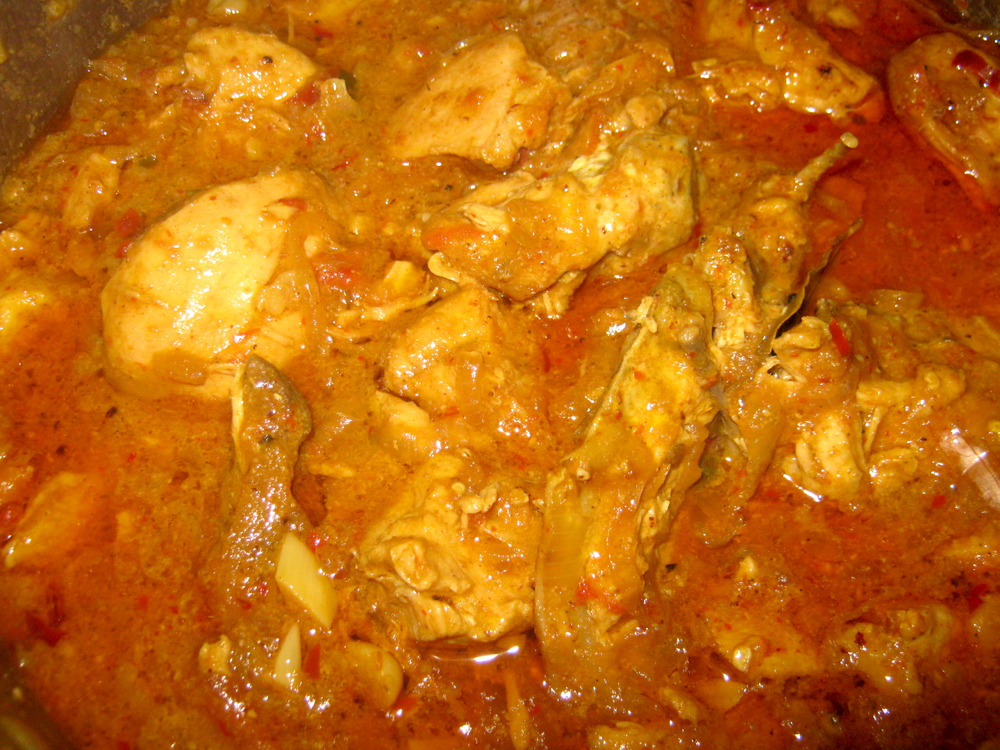 Rajasthani chicken curry in a pot