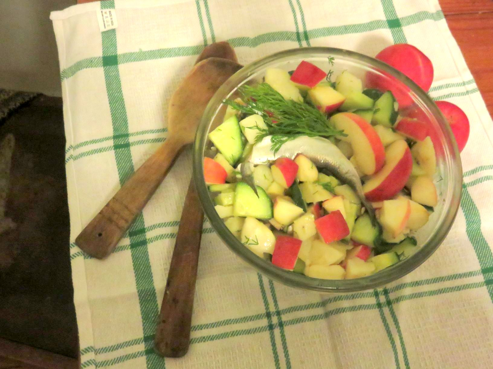 Seaman's Salad served in a glass bowl