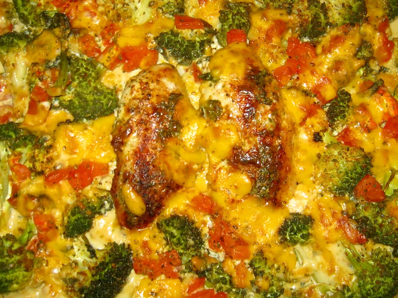 Baked Broccoli Chicken Casserole with Cream and Cheese Sauce