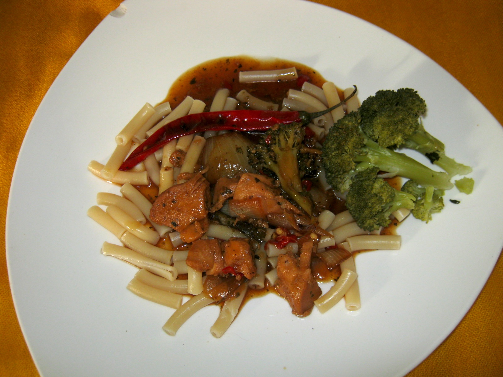 Chicken casserole with broccoli and pasta