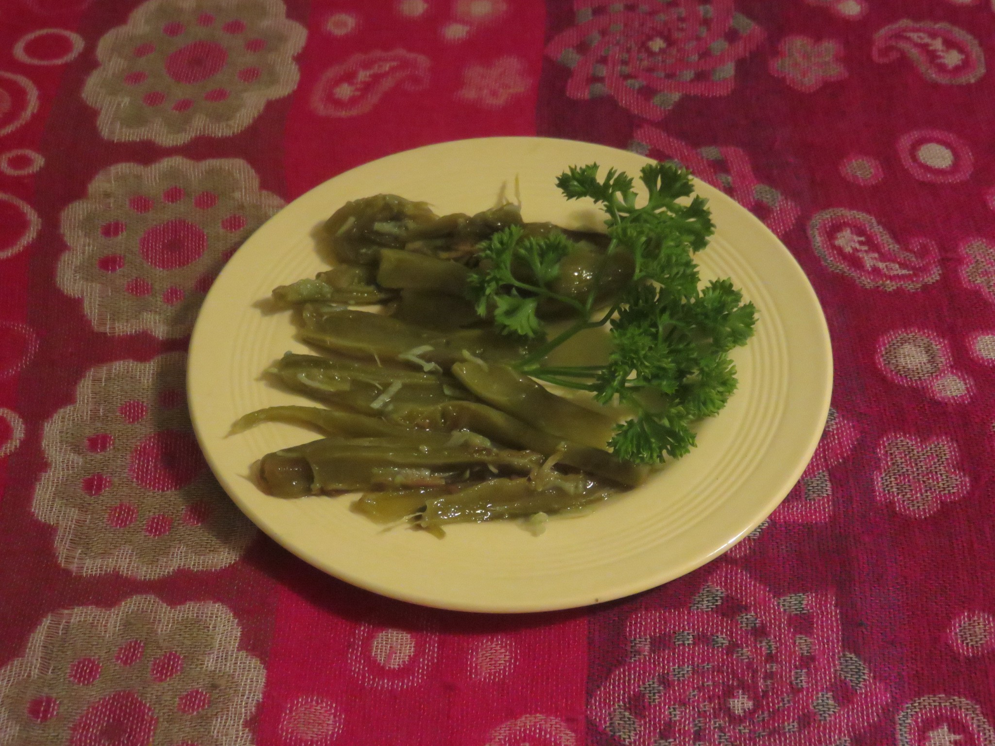 Fried nopales. The fibers can be seen easily. Young pads are more tender.