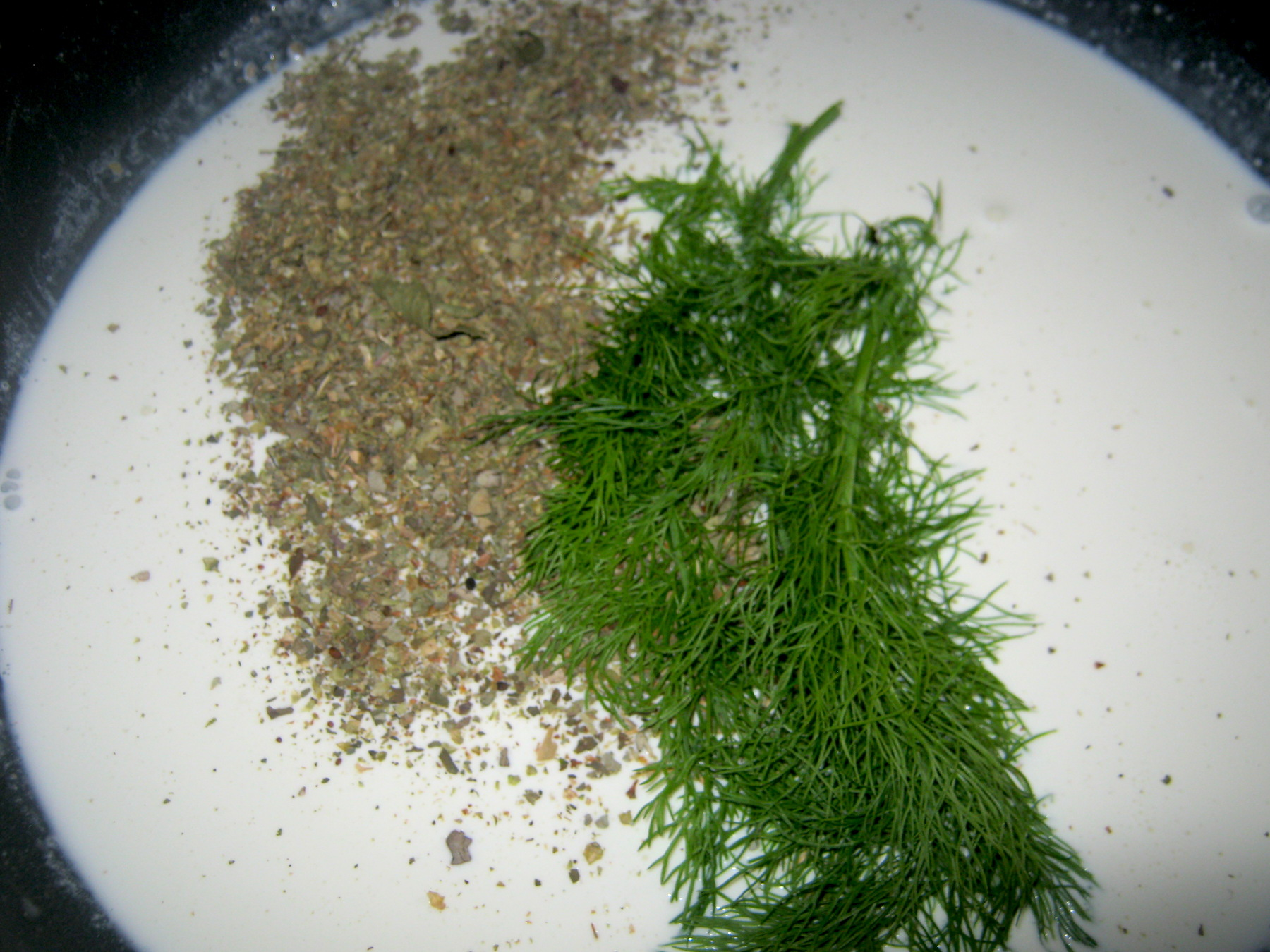 Cream with fennel and origanum